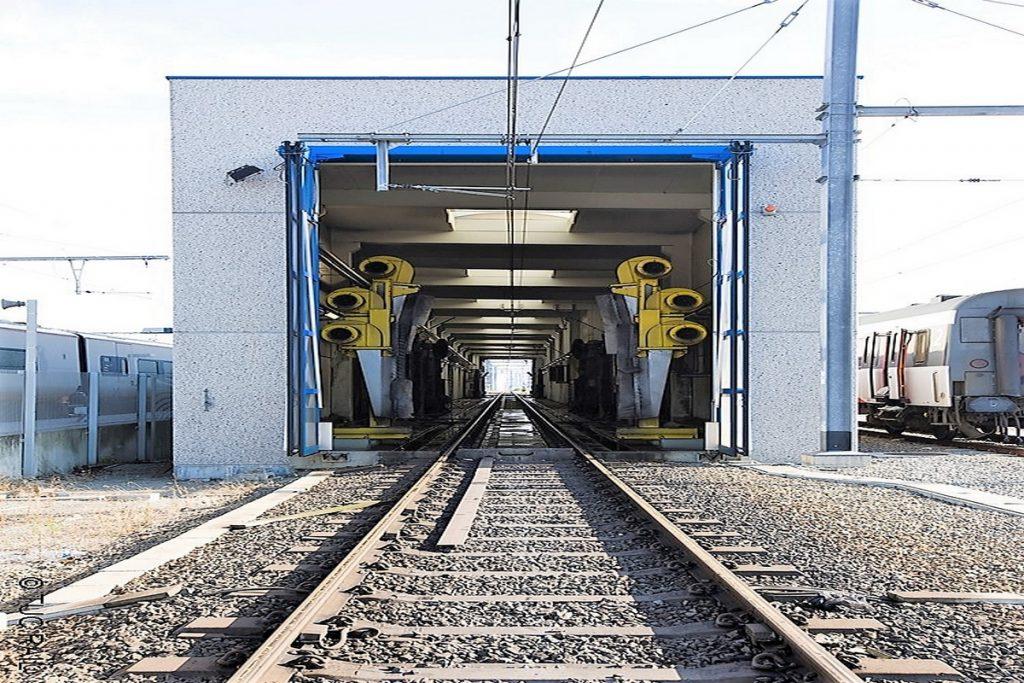 Carwash voor treinen Kortrijk en Schaarbeek