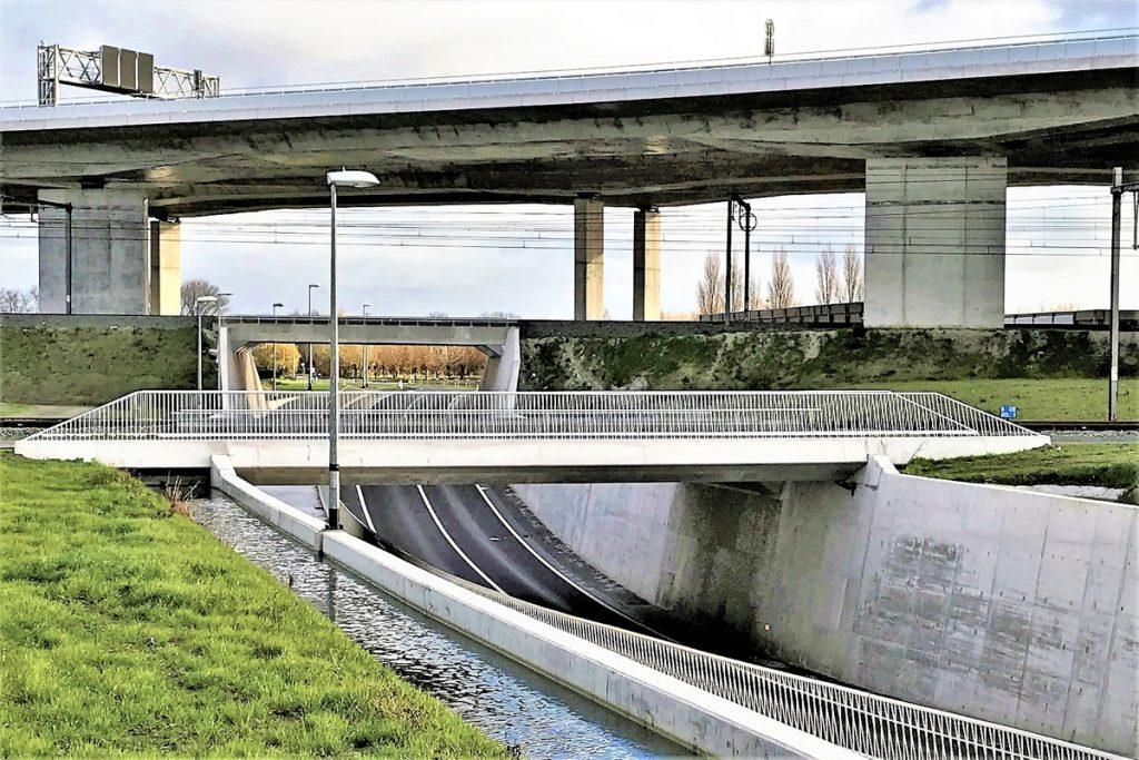Bruggen K15 en K16 op A11 Brugge-Zeebrugge